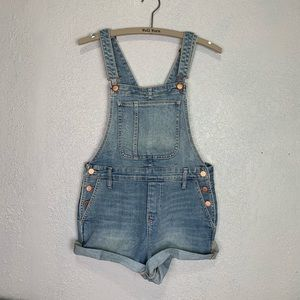 Old Navy light wash high rise Jean short overalls